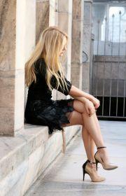 dress black beige heels blonde