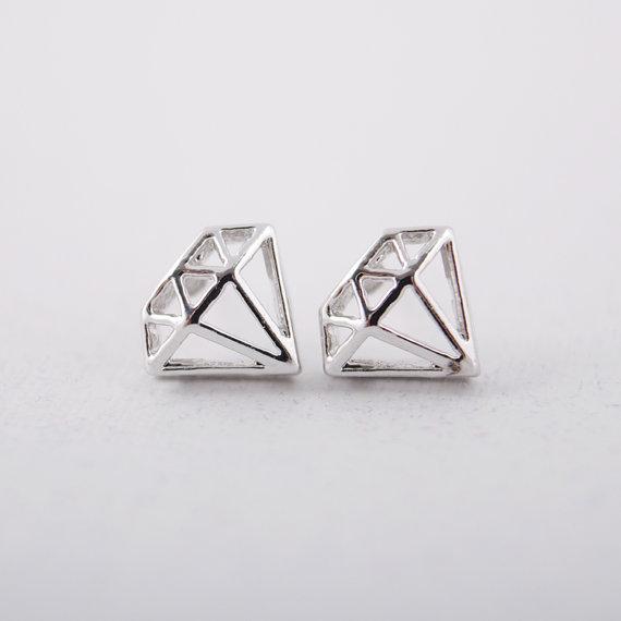 Diamond shaped Stud Earrings in Silver van bkandjio op Etsy