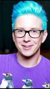 Hair accessory: blue hair, tyler oakley, hair dye - Wheretoget