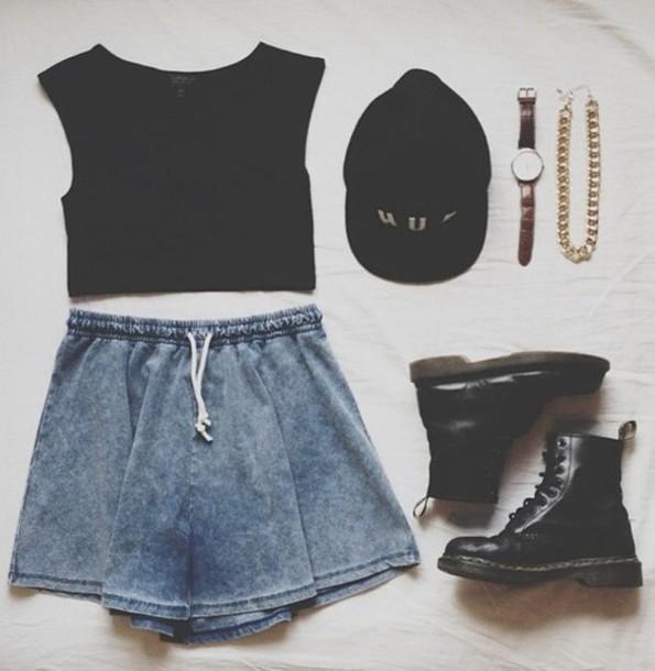 skirt white black tshirt shirt necklace bracelets