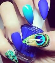 nail polish blue royal