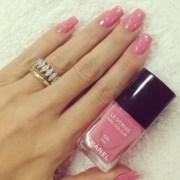 nail polish light pink nails