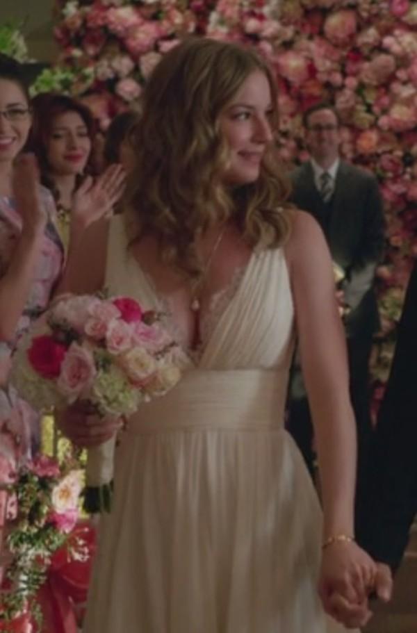 Dress Wedding White Revenge Emily Thorne Amanda Clark
