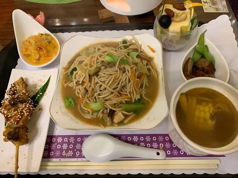【素食料理】得來素三角圓湯料理教學::蔬食專欄::得來素-讓吃素更美味,方便