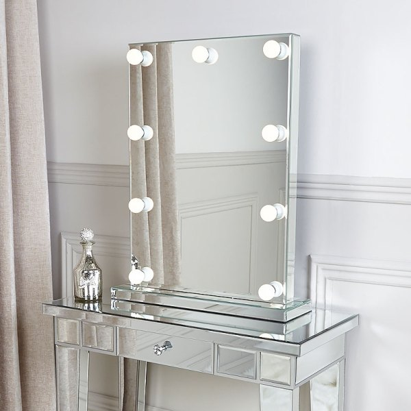 Vanity Tables with Mirror Light Bulbs