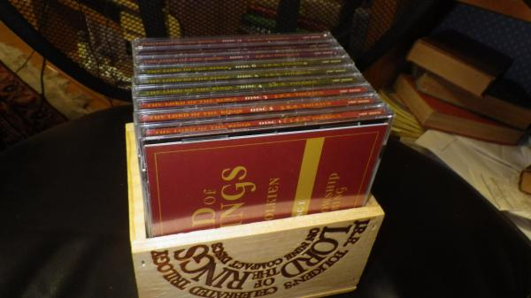 Lord Of Rings 9 Compact Discs Cd In Wooden Box With