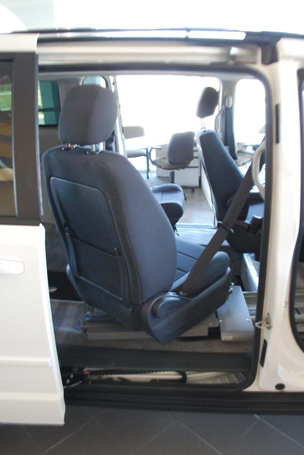 Rear Entry Wheelchair Mini Vans And Transfer Seats New
