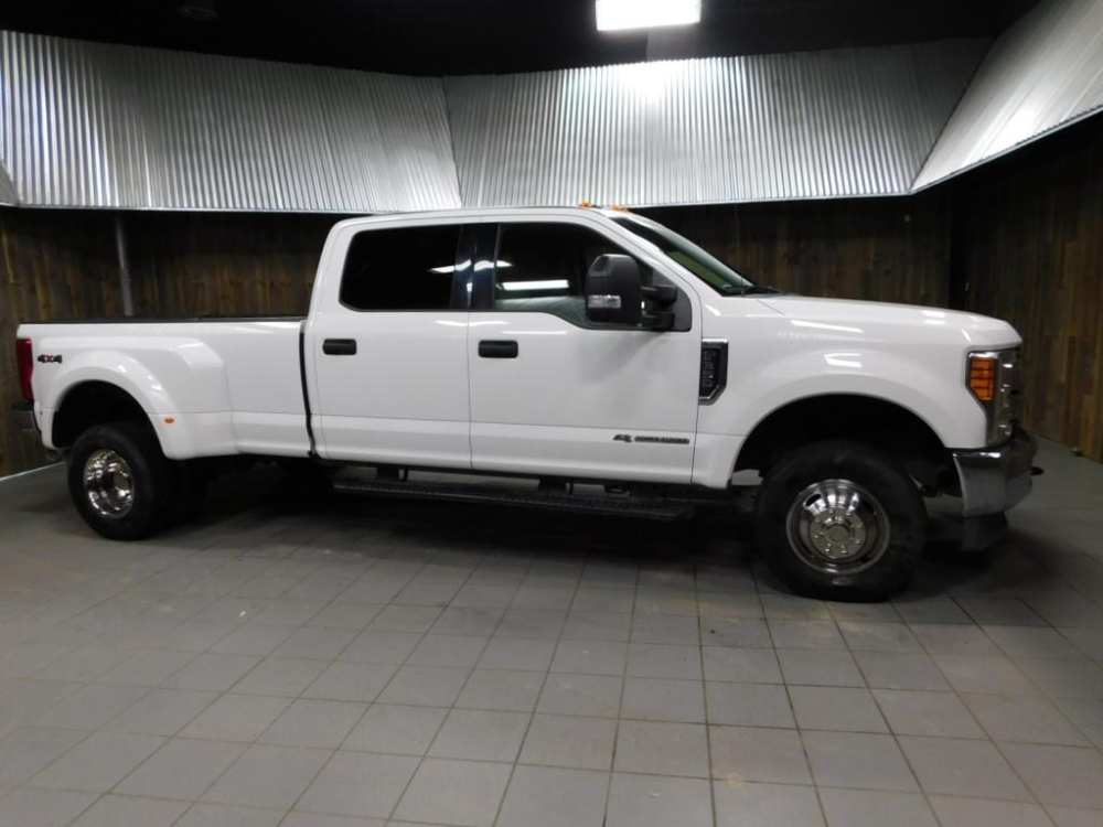 medium resolution of 2017 ford f 350 xlt crew cab v8 turbo