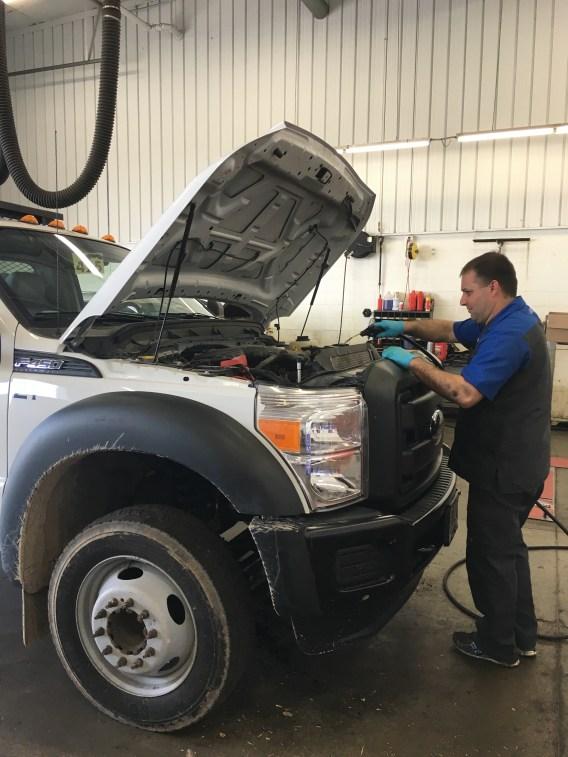 Dorsch Ford East : dorsch, Medium, Heavy, Truck, Repair, Green, Dorsch, Lincoln