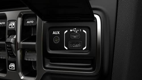 small resolution of dual usb ports are located in the media hub in the console an extra port is located in the center armrest additional usb ports are available for rear