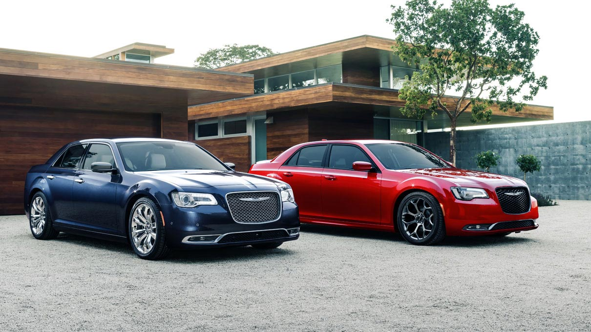 hight resolution of chrysler 300 in jazz blue pearl and redline pearl