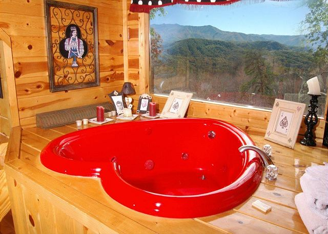 Gatlinburg Cabin With Heart Shaped Tub