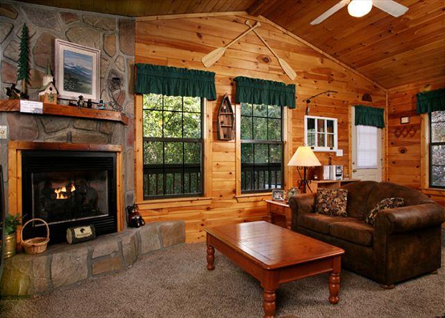 SEVIERVILLE Cabin Rental  FOUR SEASONS 193  1 Bedroom