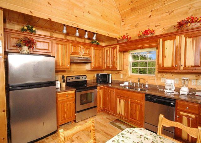 Hillbilly Hilton  5 bed 55 bath Cabin  Acorn Cabin Rentals