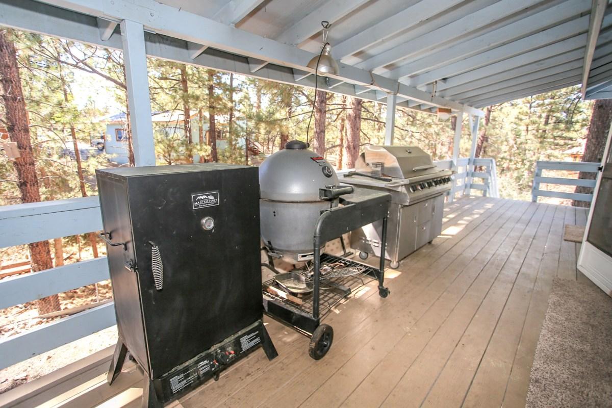 Gas, Charcoal BBQ and Smoker