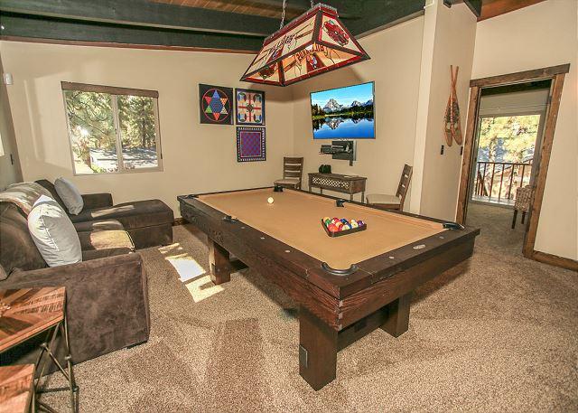Game Room, Pool Table & Flat Screen TV