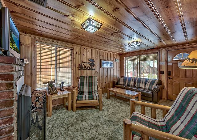 sofa sleeper for cabin buy corner uk lake tahoe vacation rental craig s cozy more living room view with seating hdtv and fireplace