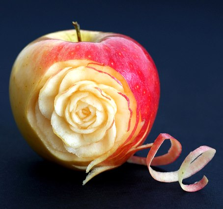 Awesome Creativity: The Rose in Apple