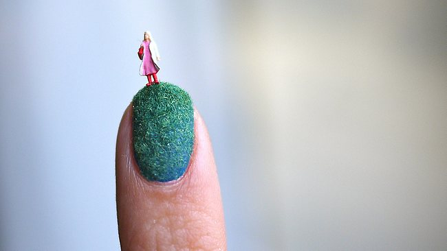 896194-miniature-world-nail-art