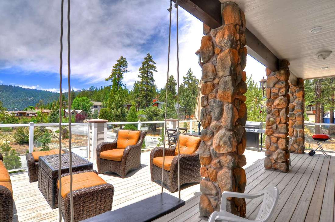 Expansive Deck with Swing