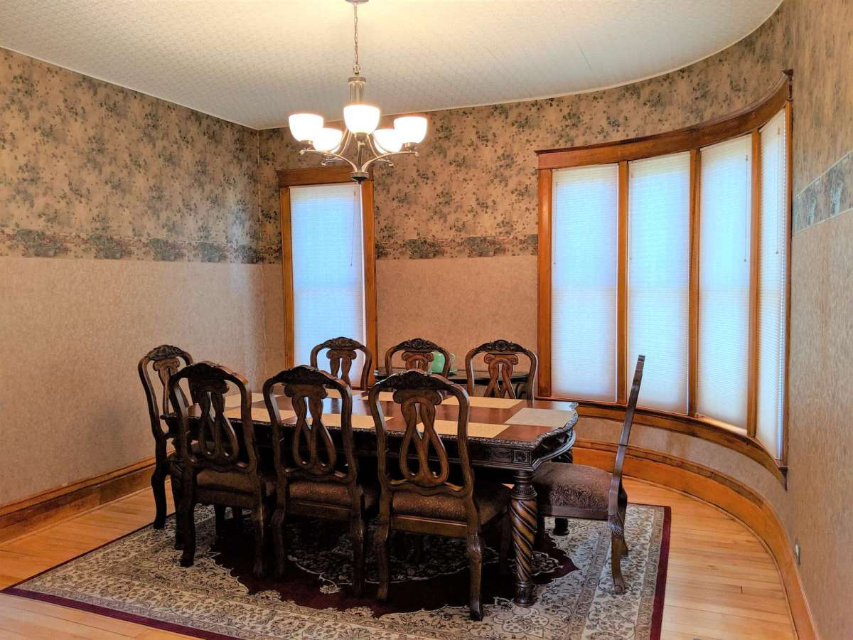 Enjoy comfortable chairs at this 8 seat dining table