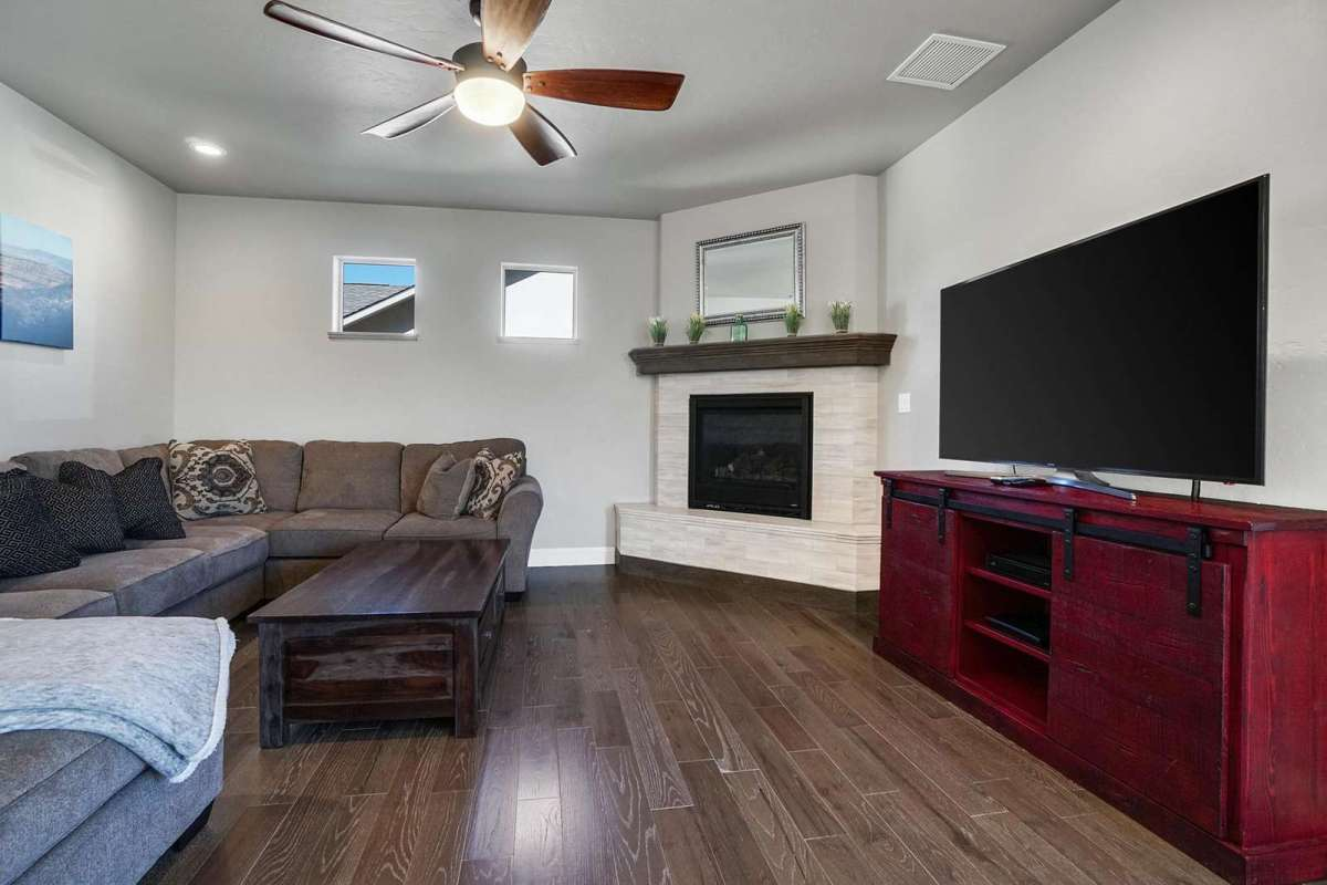 Hawk House IV Living Room