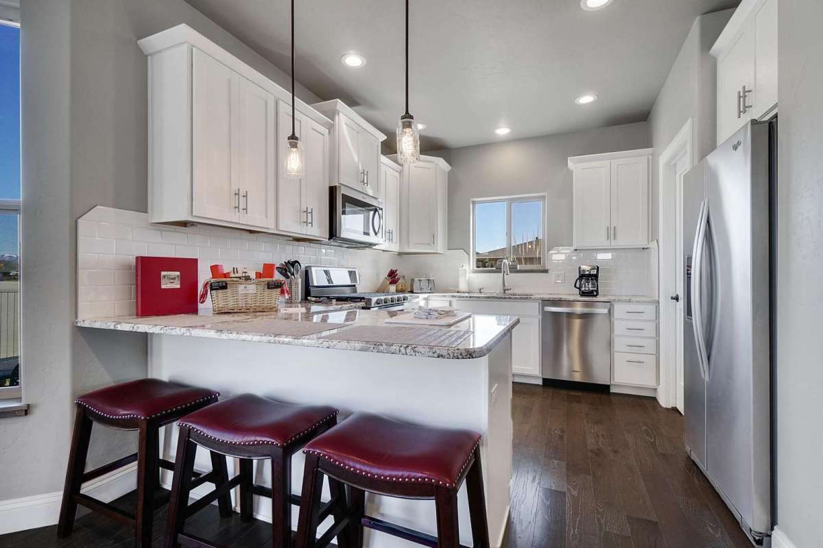 Hawk House II Kitchen