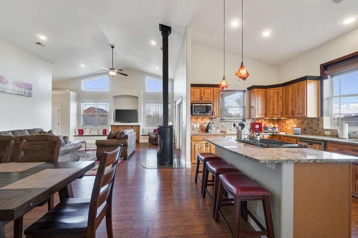 Black Bear IV Kitchen