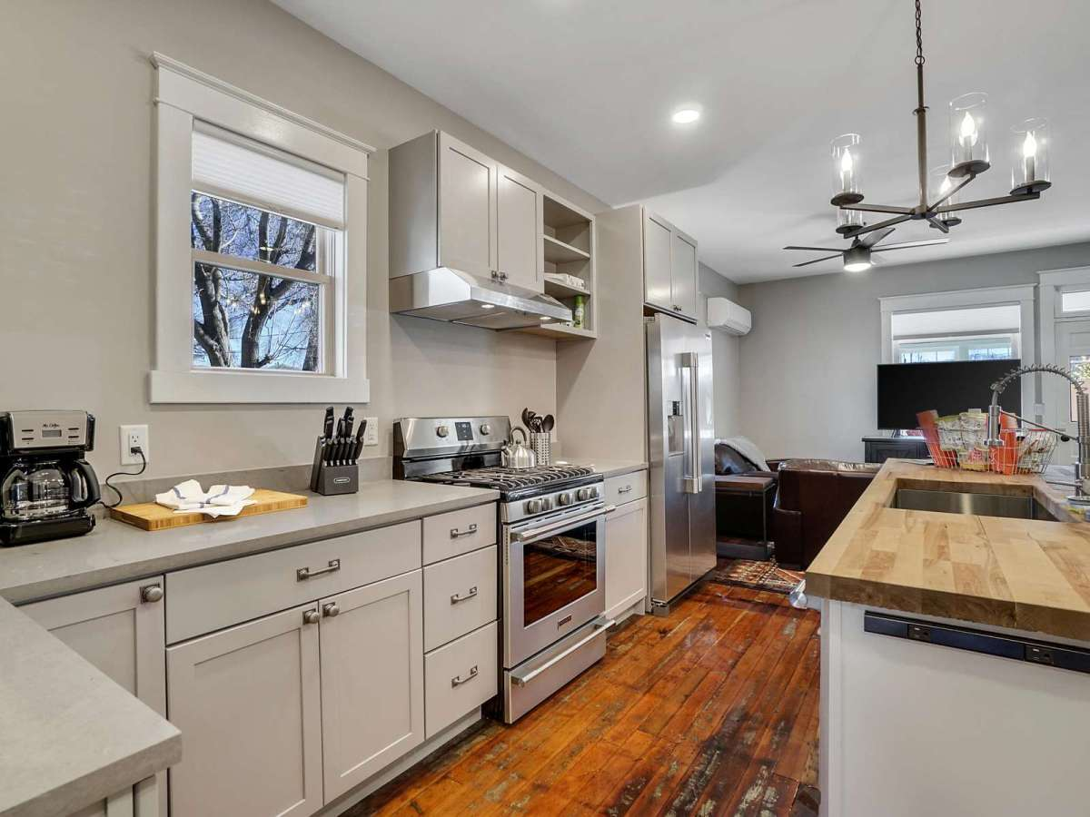 Atchee House I Vacation Rental - All stainless steel appliances