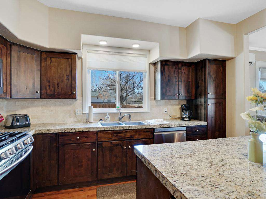 Kitchen allows you to have backyard views.
