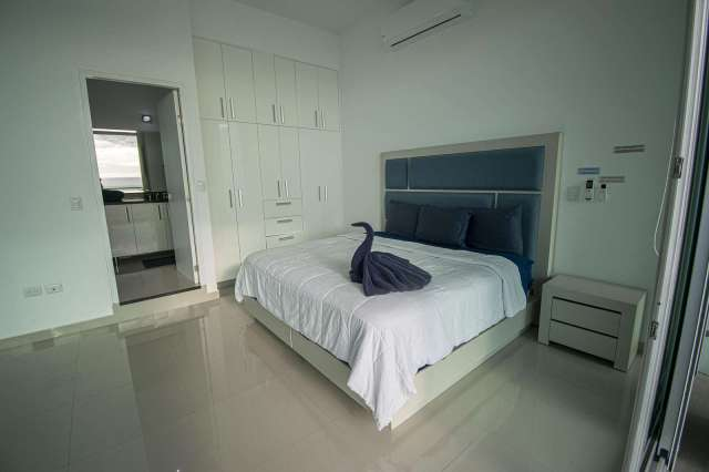 1 Bedroom Unit ( sleeps 4)