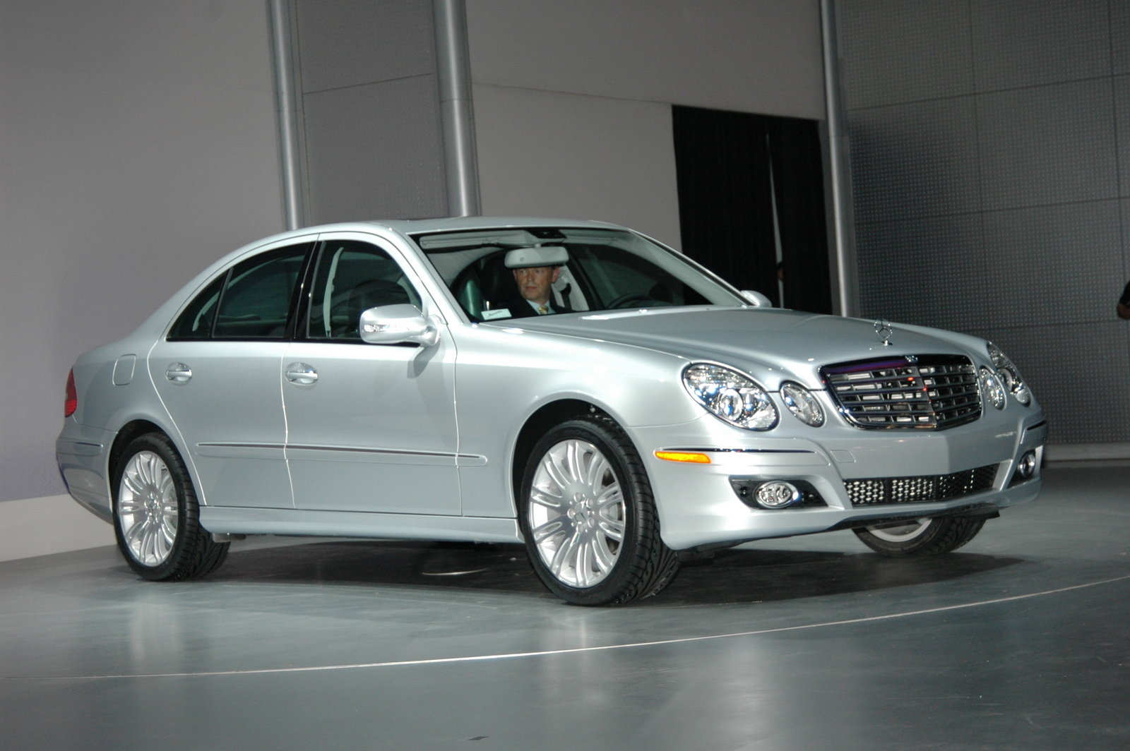 2007 Mercedes E550 Review  Top Speed