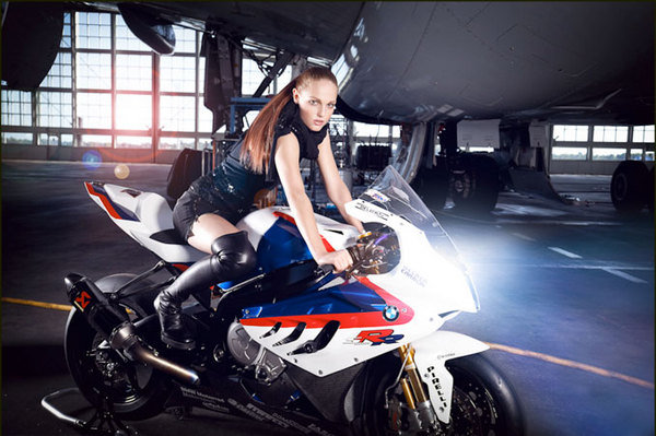 Ar 15 Girl Wallpaper Haute Couture Makes Bmw S S1000rr Superbike Look Even