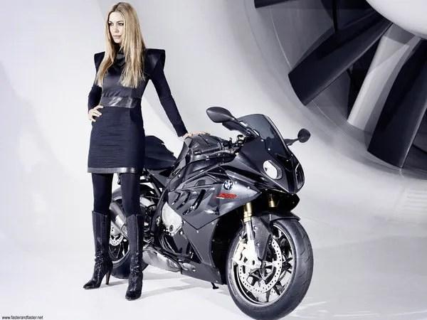 Bmw S1000rr Girl Wallpaper Leslie Porterfield Makes Bmw S S1000rr Look Faster
