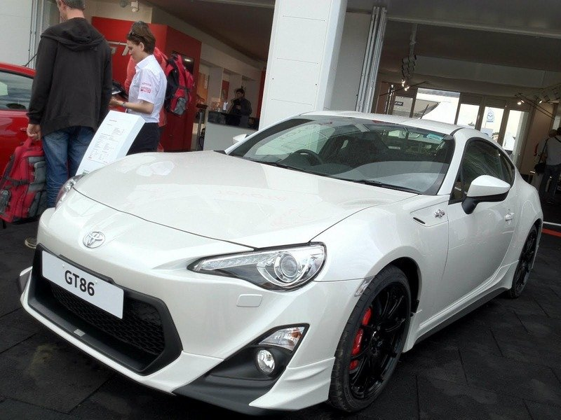2013 Toyota GT-86 TRD UK Special Edition wallpaper image