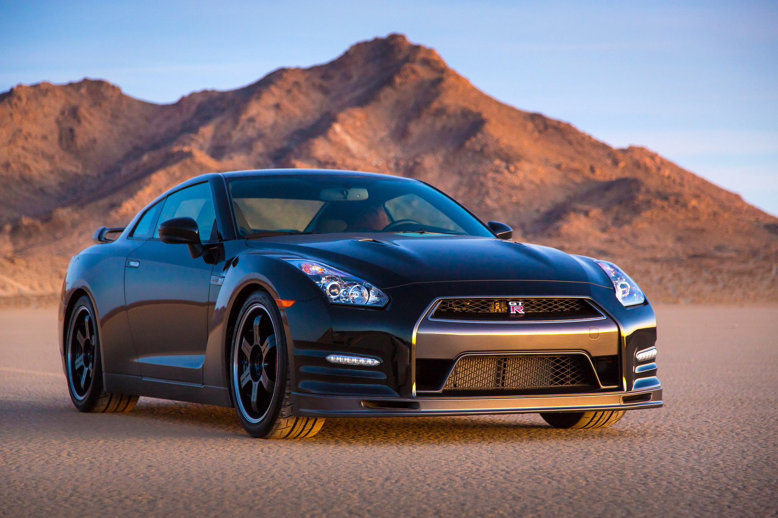 2014 Nissan GTR Track Edition Review  Top Speed
