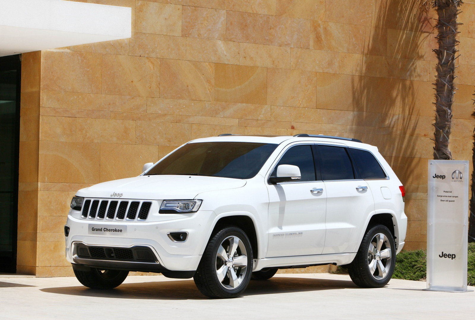 2013 Jeep Grand Cherokee By Mopar Review Top Speed