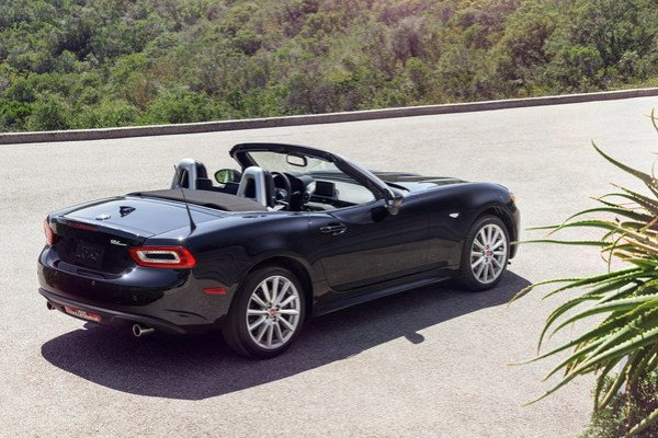 2017 Fiat 124 Spider car review Top Speed