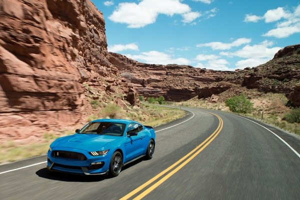 Shelby GT350 Lives On for 2018, but Where Are the Updates?