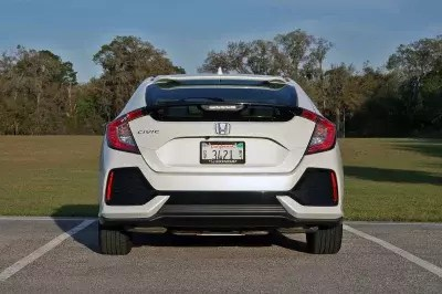 For well over a decade, the honda civic has been one of the bestselling vehicles, particularly with people ages 35 and under. 2017 Honda Civic Hatchback Driven Top Speed