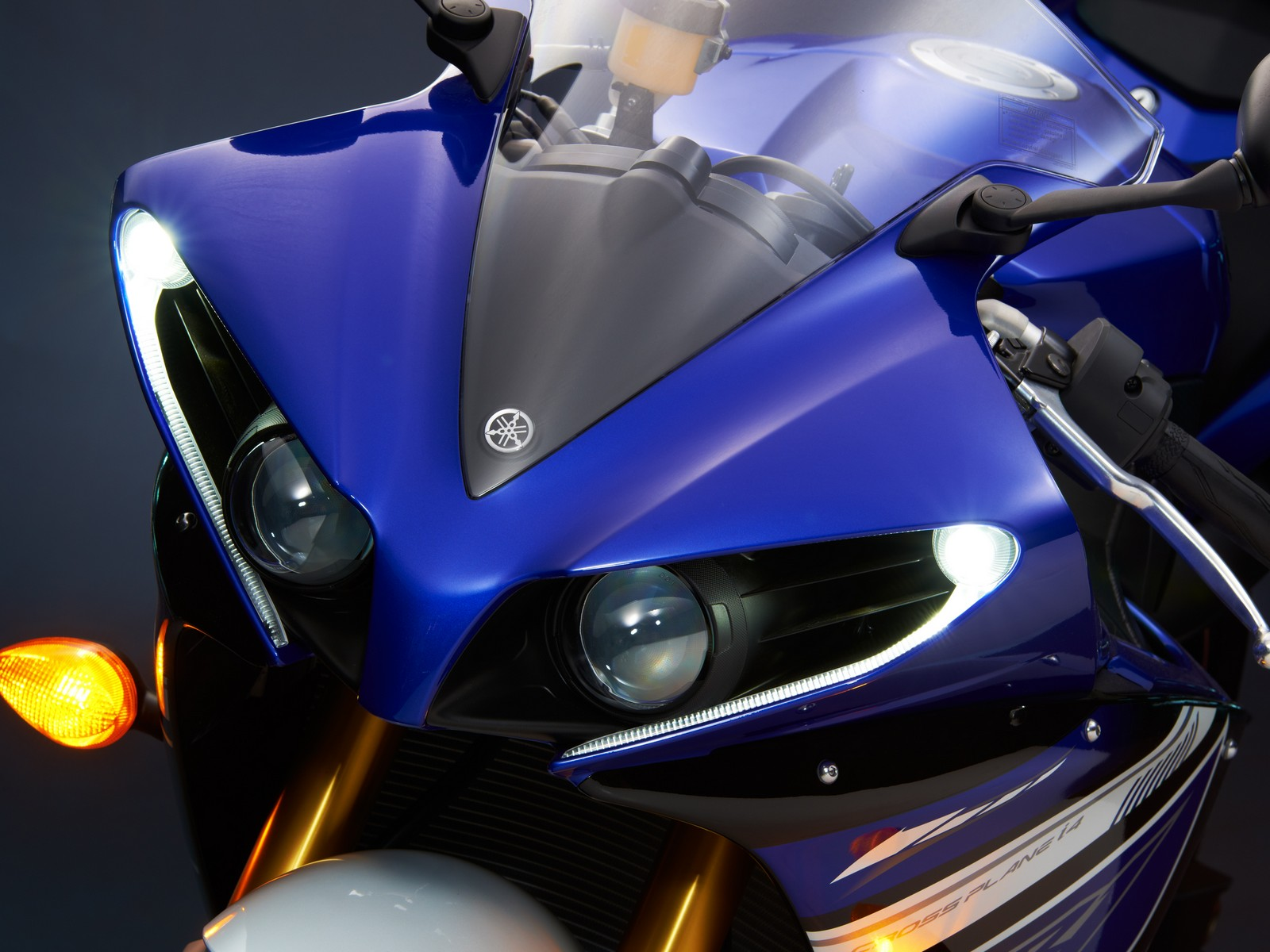 hight resolution of 2013 yamaha yzf r1 top speed