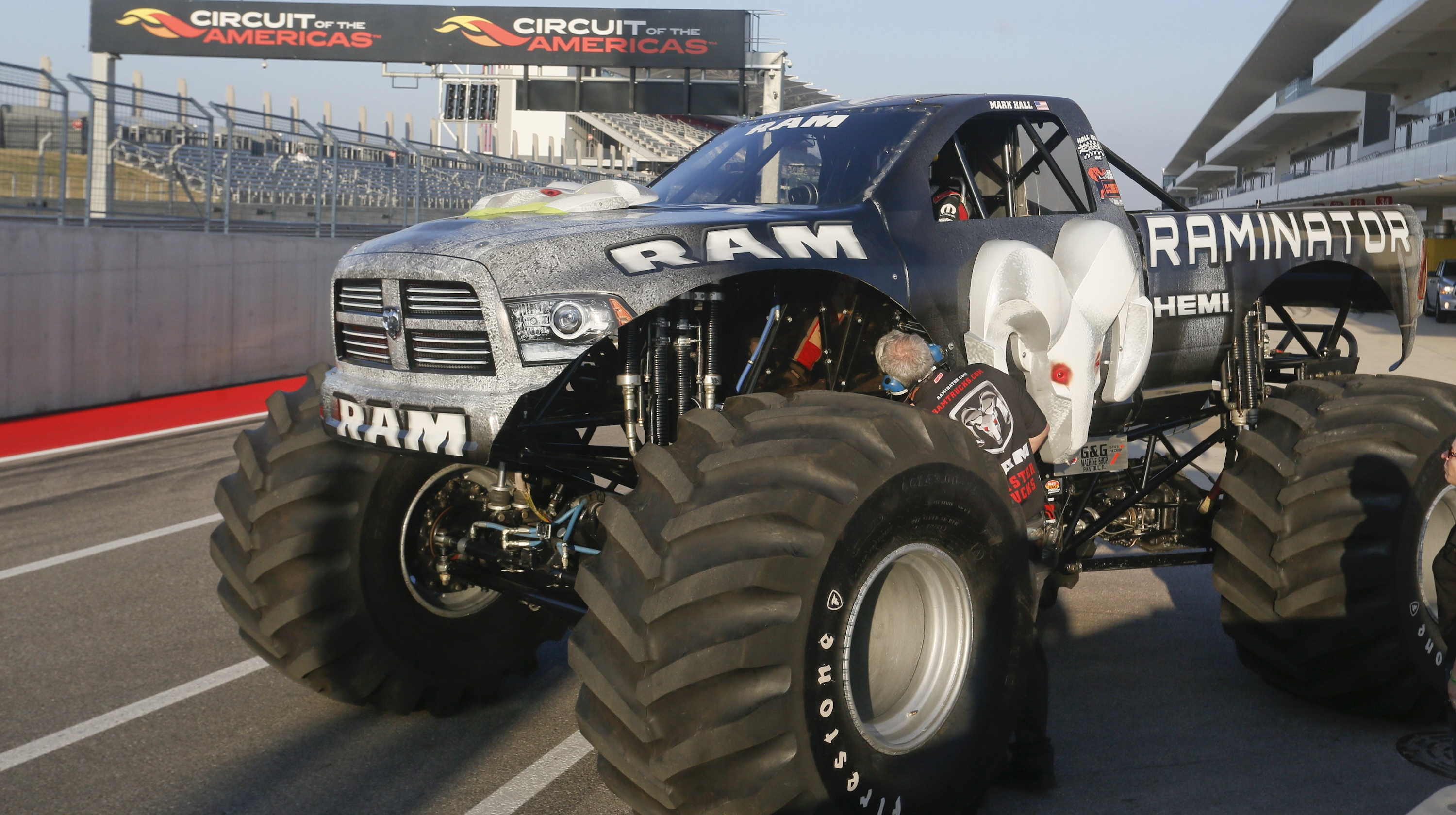 Cars Wallpaper With Names Raminator Is The World S Fastest Monster Truck Top Speed