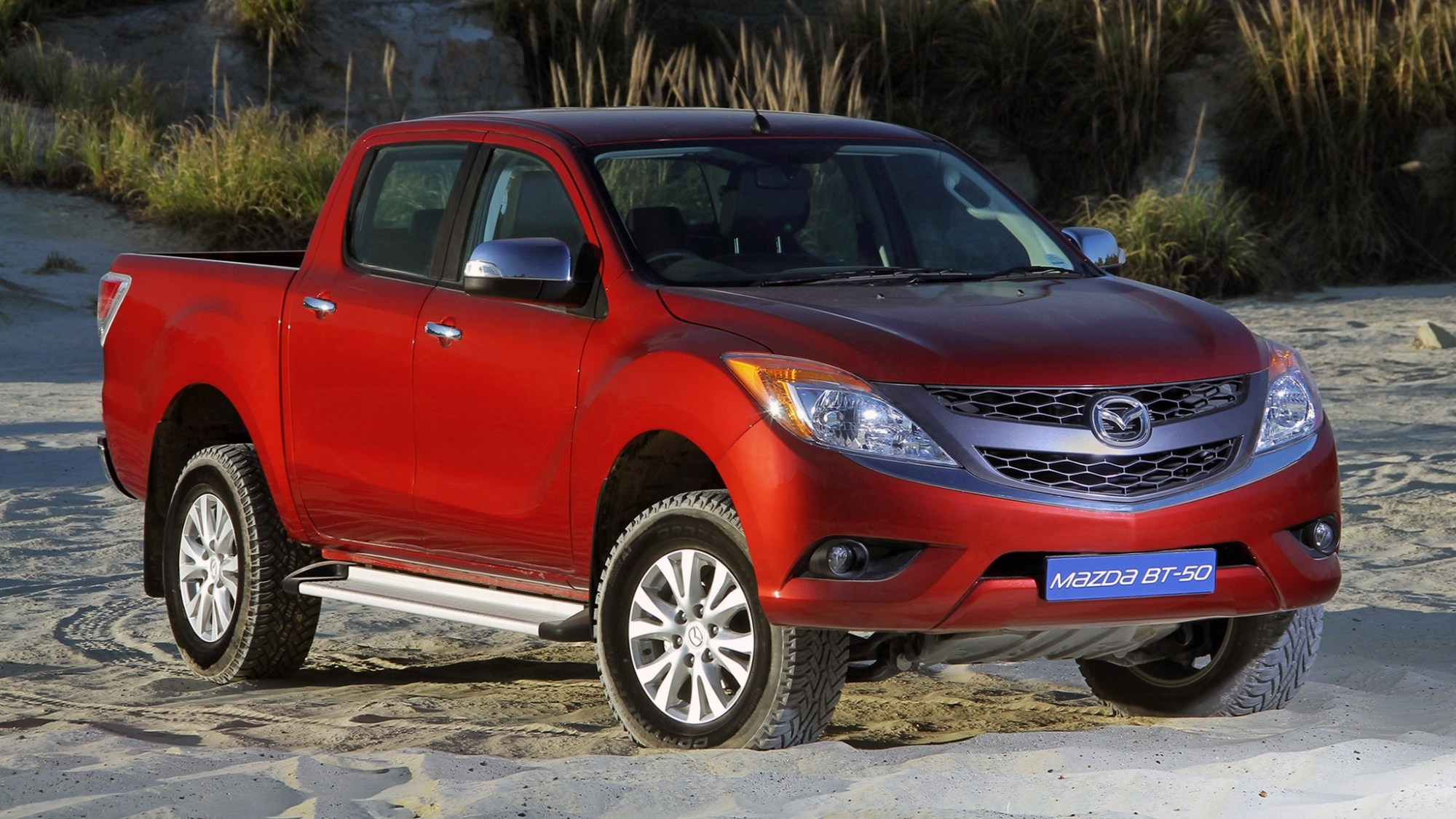 hight resolution of isuzu and mazda sign agreement for new truck