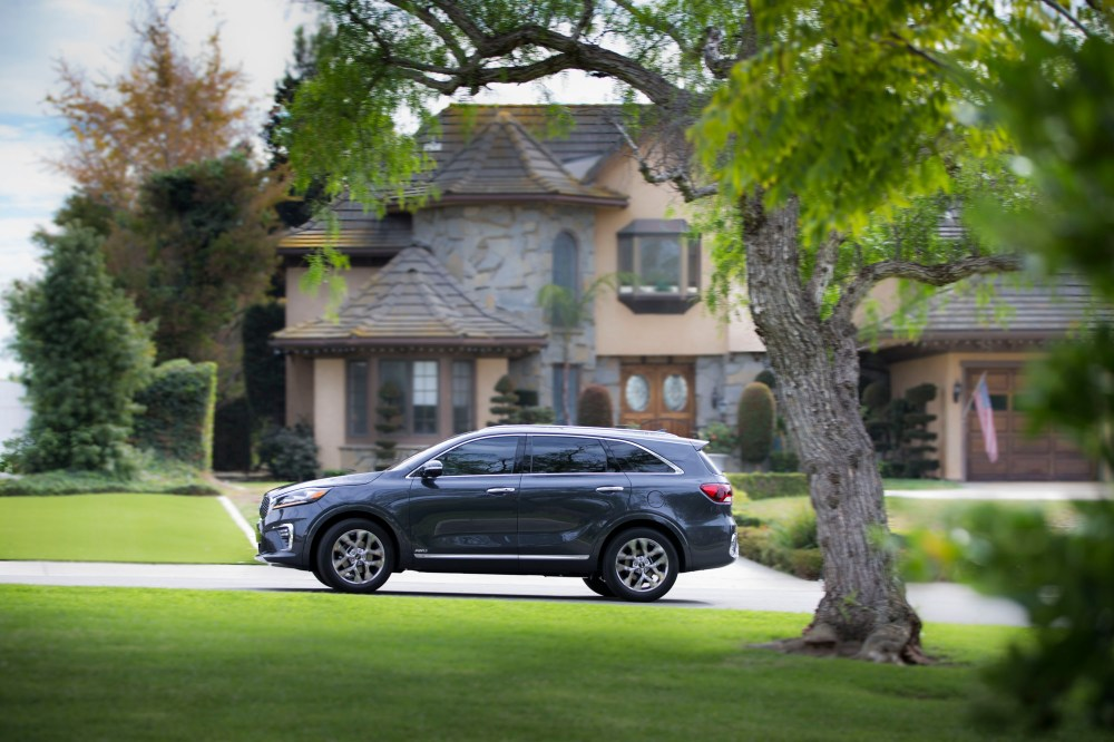 medium resolution of updated kia sorento unveiled in l a with new features diesel engine confirmed top speed