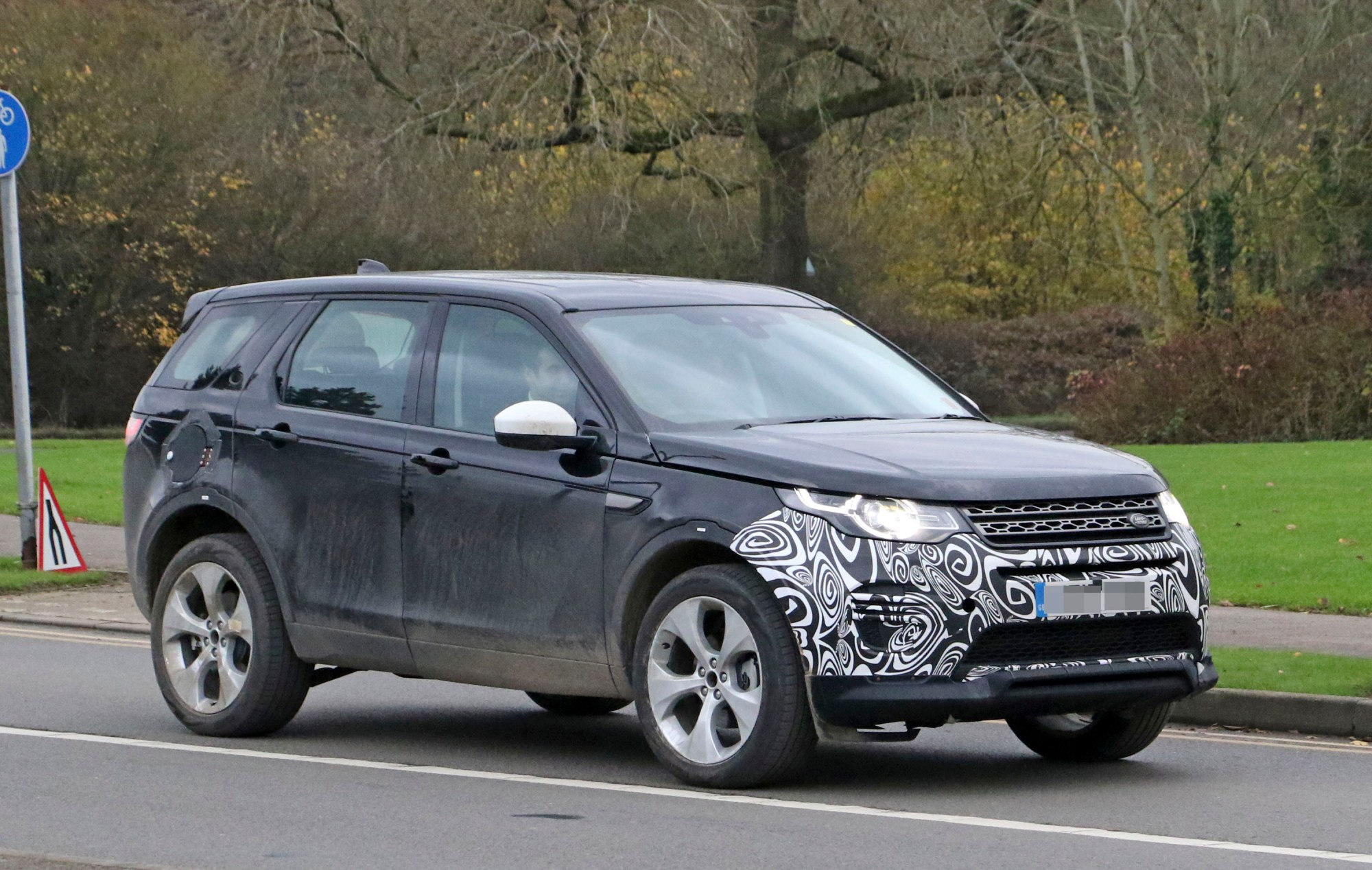 hight resolution of 2020 land rover discovery sport