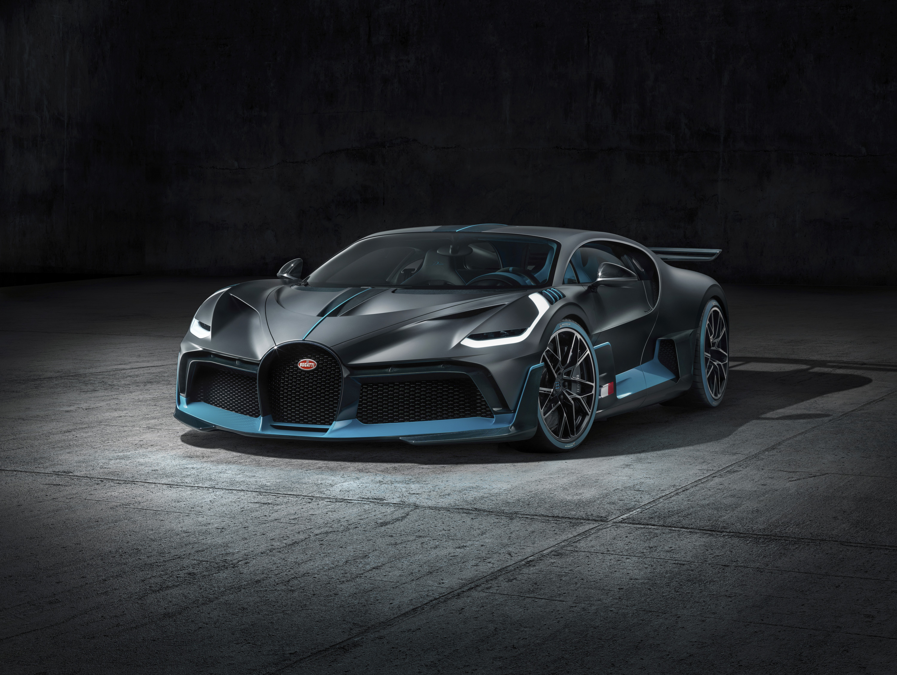 Meet The Bugatti Divo The Chiron S Angry Cousin Top Speed