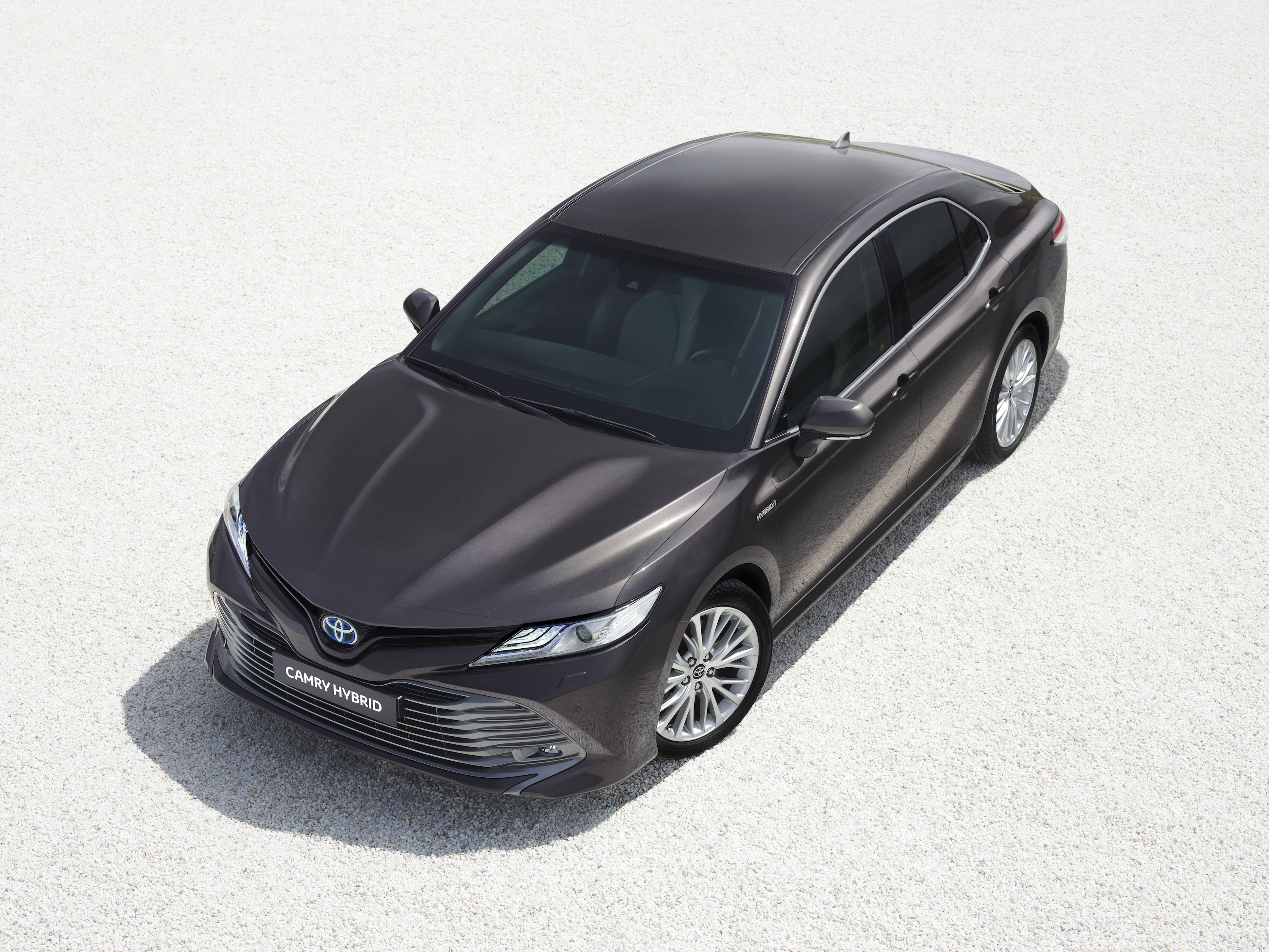 brand new toyota camry hybrid kredit grand avanza 2018 2019 announces it s ready for europe at paris motor show