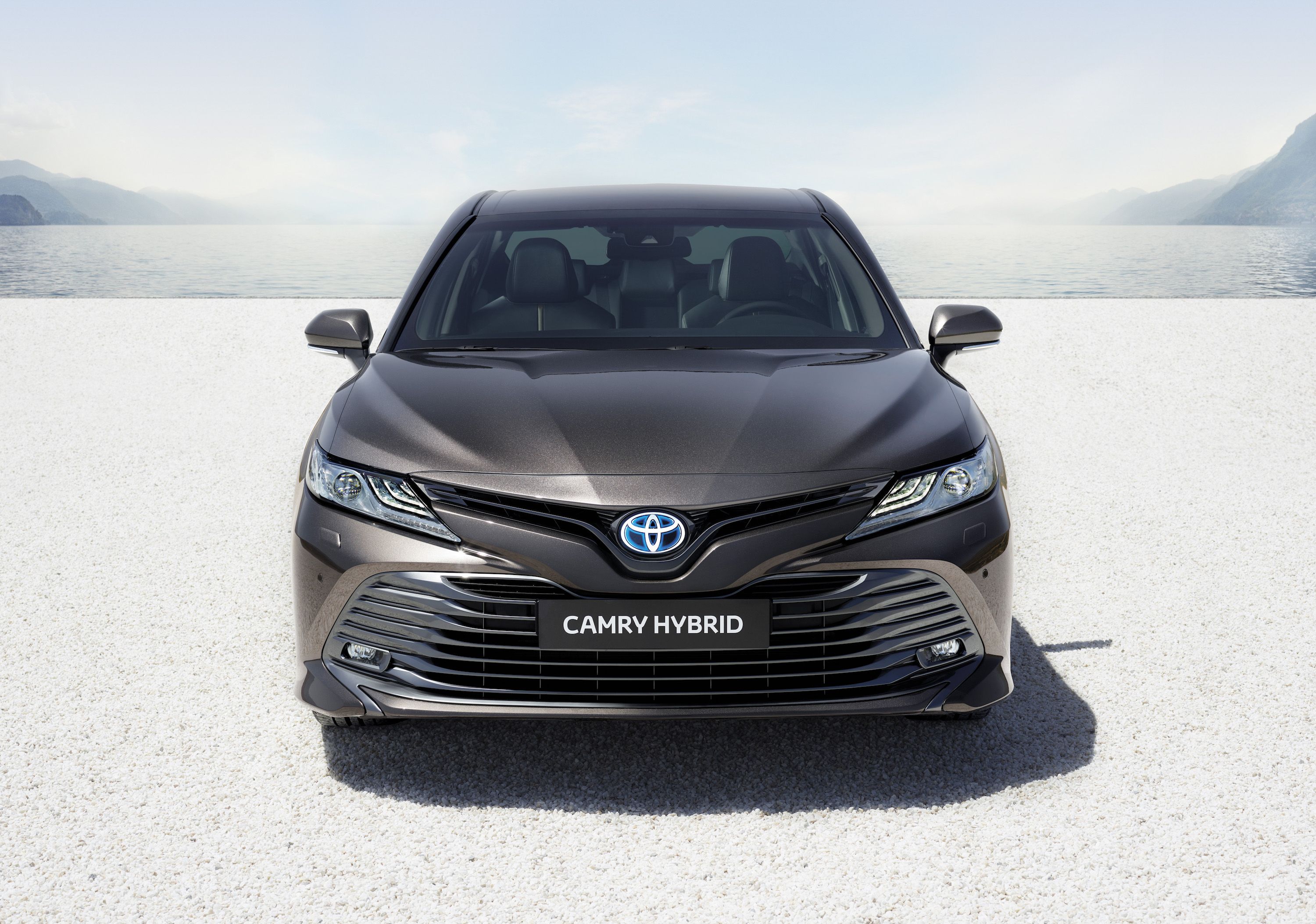 all new camry 2019 malaysia kijang innova semisena toyota hybrid announces it s ready for europe at 2018 paris motor show top speed