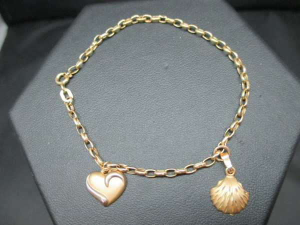 Tested 10k Yellow Gold Jewelry Charm Bracelet Scallop Shell Heart Charms