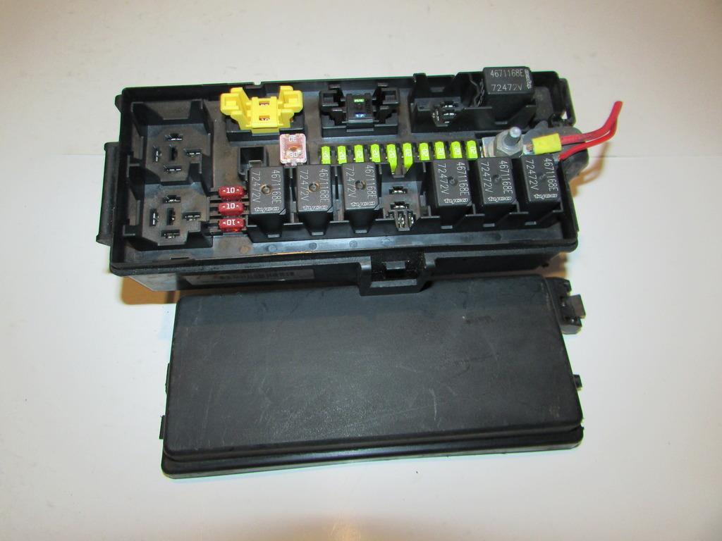 2007 Suzuki Forenza Instrument Panel Fuse Block
